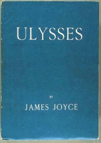 Cubierta de una edición antigua del libro Ulysses de James Joyce.