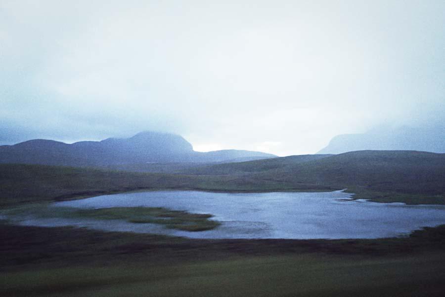 Fotografía de Lupe Vázquez de un lago en Cape Wrath, Escocia. Convocatoria Periplos de Just The Sea
