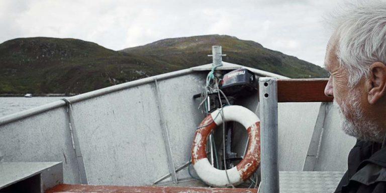 Fotografie von Lupe Vazquez vom Kap des Zorns in Schottland. Aufruf für Papiere von Just The Sea