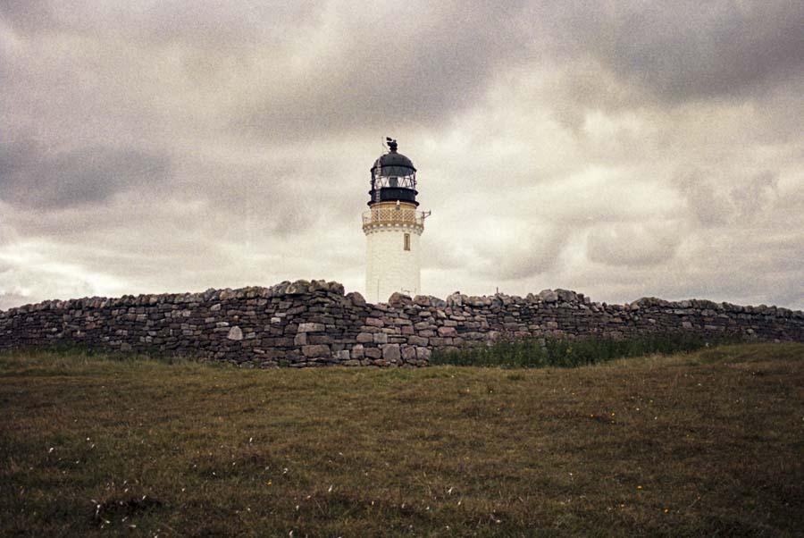 Fotografía de Lupe Vázquez del faro de Cape Wrath, Escocia. Convocatoria Periplos de Just The Sea