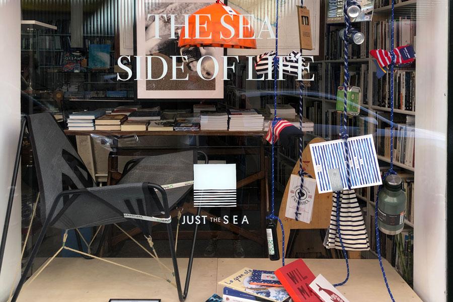 Dvelas, mobiliario fabricado con velas de barco reutilizadas, llega a Just The Sea en Madrid