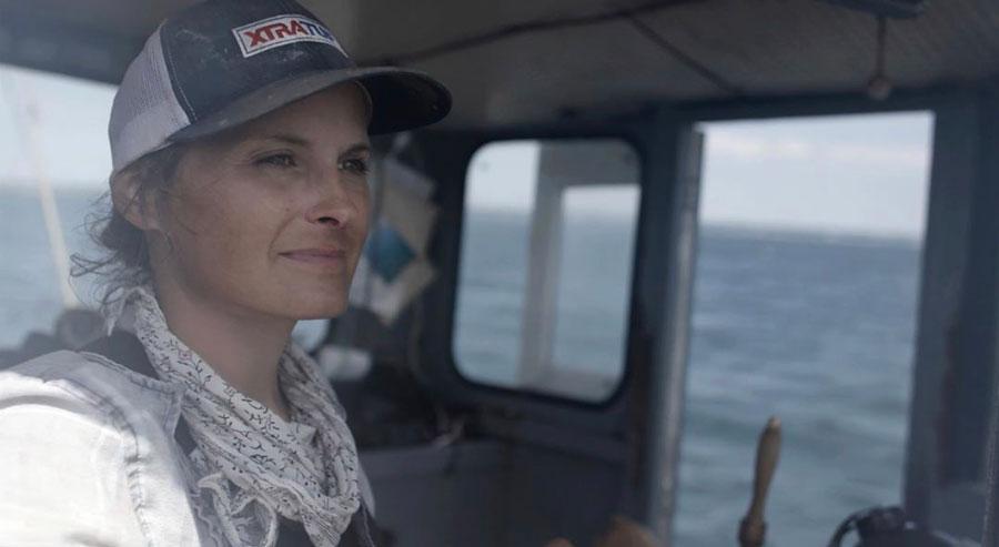 Corey Forrest mujer pescadora comercial entrevistada para Just The Sea